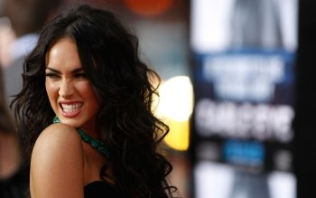 Celebrity - Megan Fox Wallpapers and Backgrounds ID : 100556