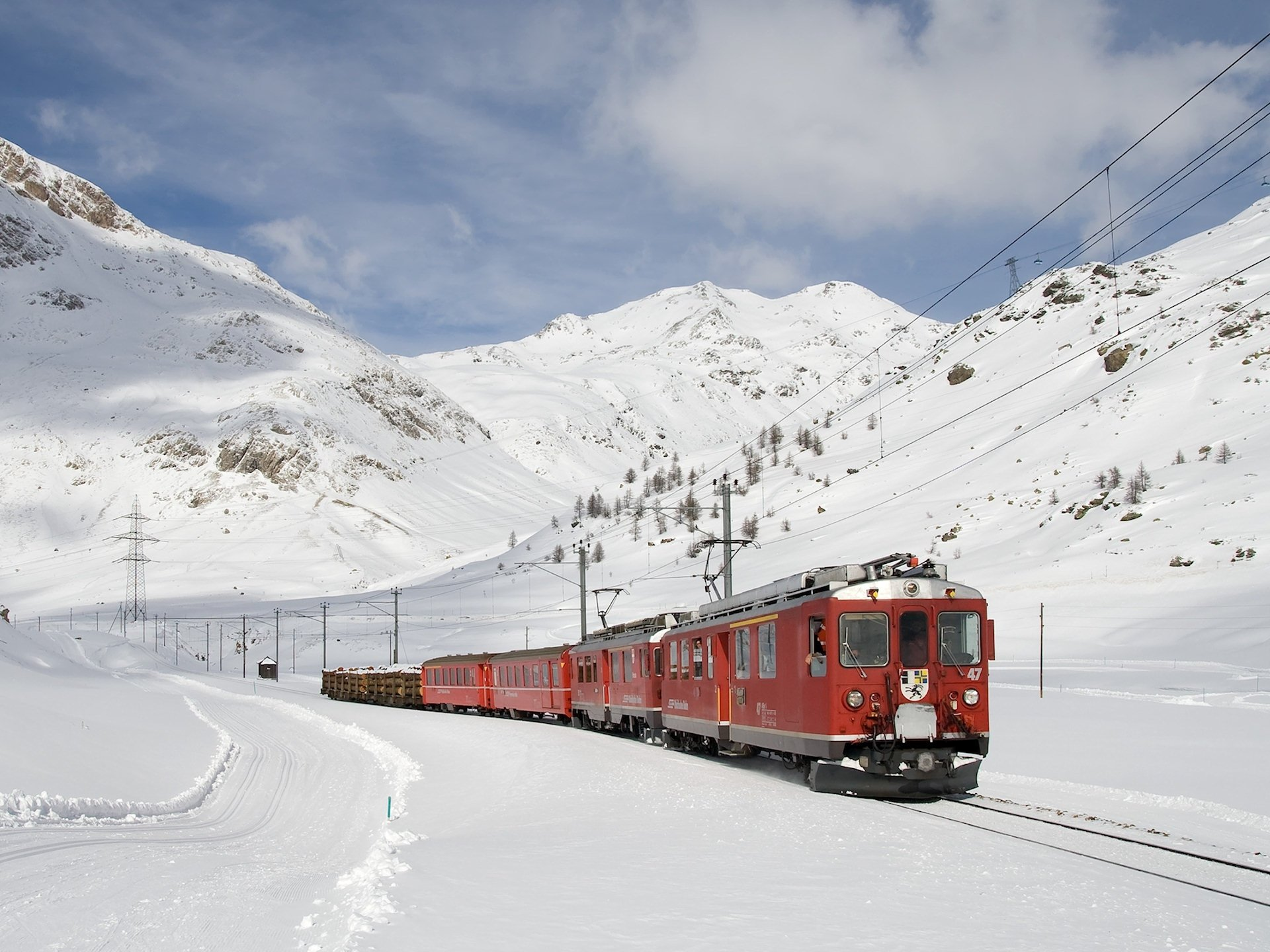 Vehicles - Train  Electric Train Mountain Vehicle Snow Winter Wallpaper