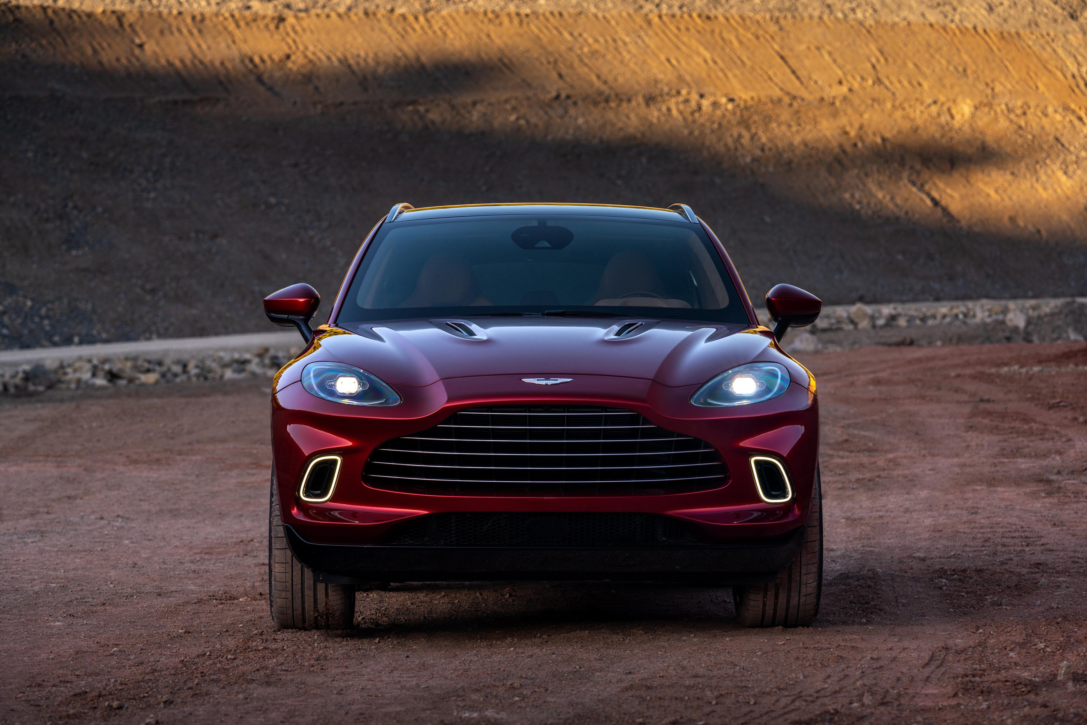 Aston Martin Dbx Hd Wallpaper Hintergrund 3500x2333 Id 1052710 Wallpaper Abyss
