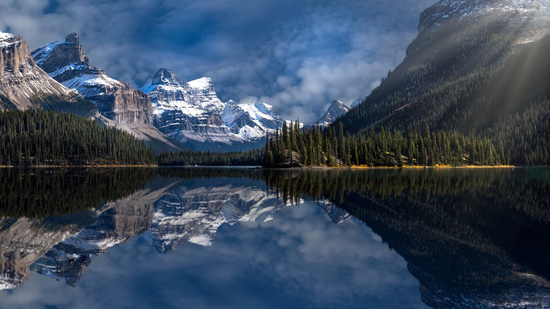 Reflection Hd Wallpaper Background Image 2048x1152 Id