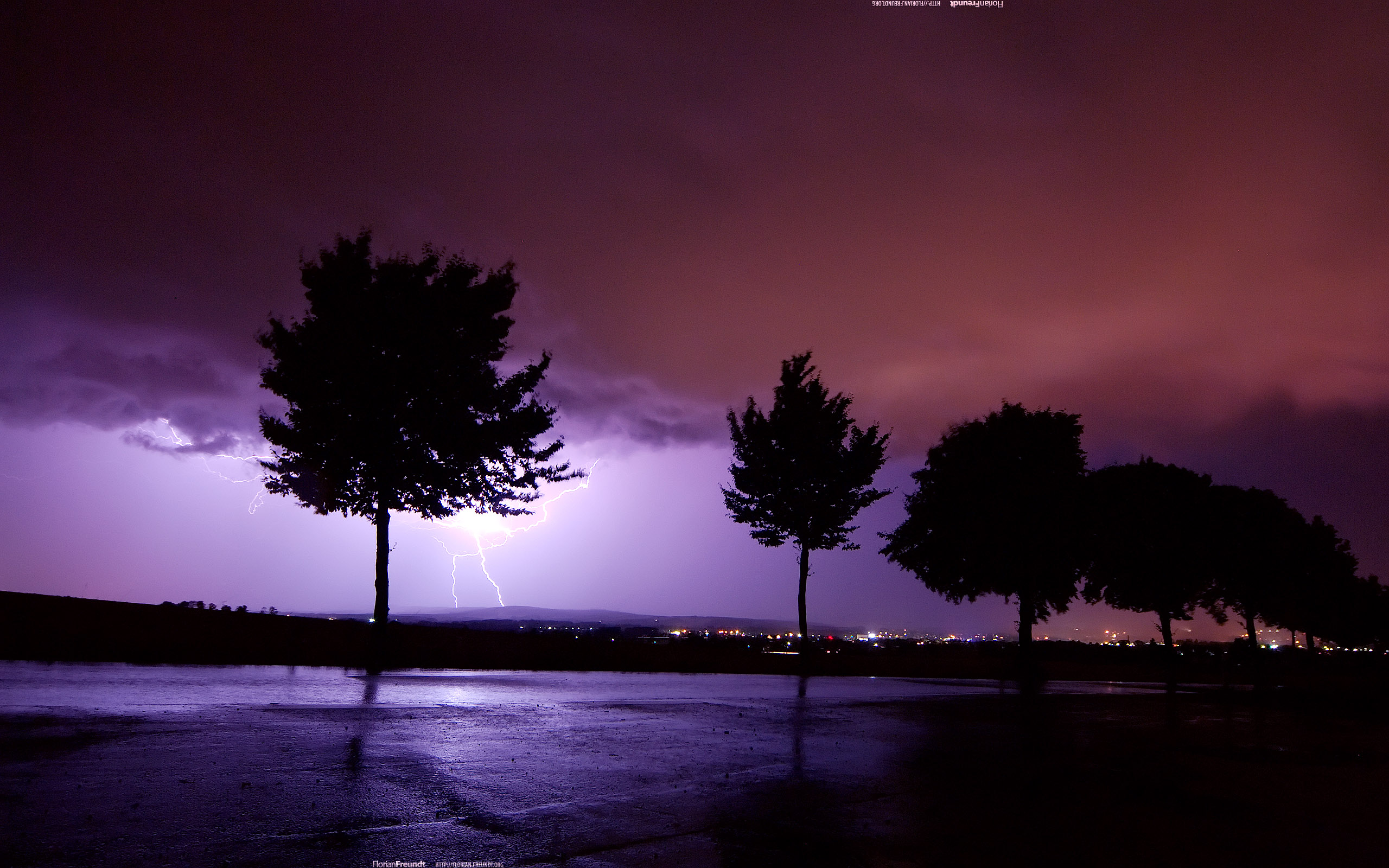 Photography - Lightning  Wallpaper
