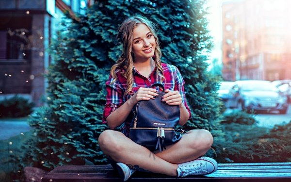 Mujeres Modelo Modelos Woman Smile Depth Of Field Rubia Fondo de pantalla HD | Fondo de Escritorio