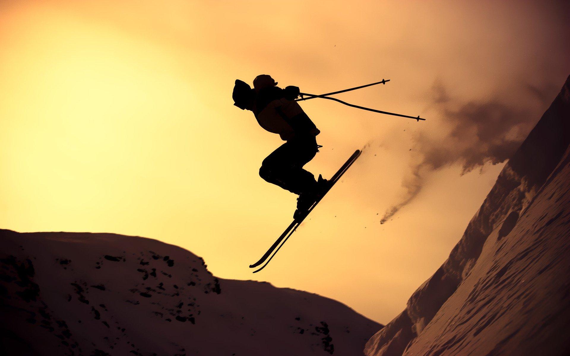 28 Skiing HD Wallpapers