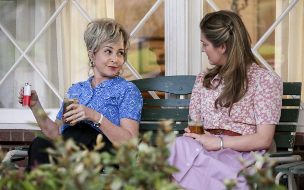 TV Show Young Sheldon Zoe Perry Mary Cooper Annie Potts Constance Tucker HD Wallpaper | Background Image