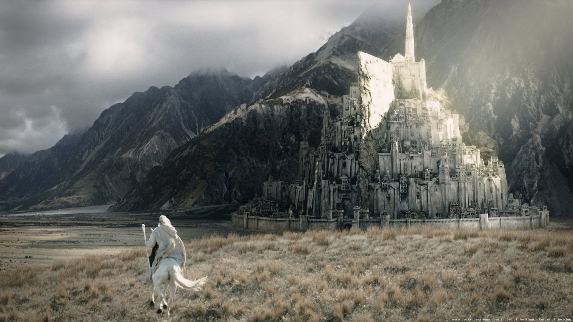 Movie - The Lord Of The Rings: The Return Of The King  Ian McKellen Gandalf Minas Tirith Wallpaper