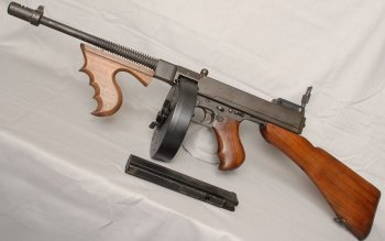 Weapons - Thompson Submachine Gun Wallpapers and Backgrounds ID : 124096