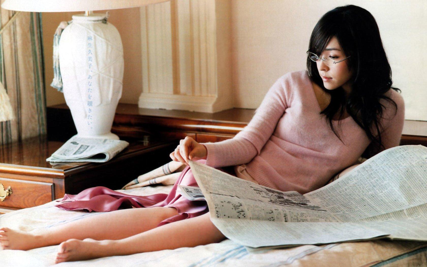 Women - Kumiko Aso  Glasses Wallpaper