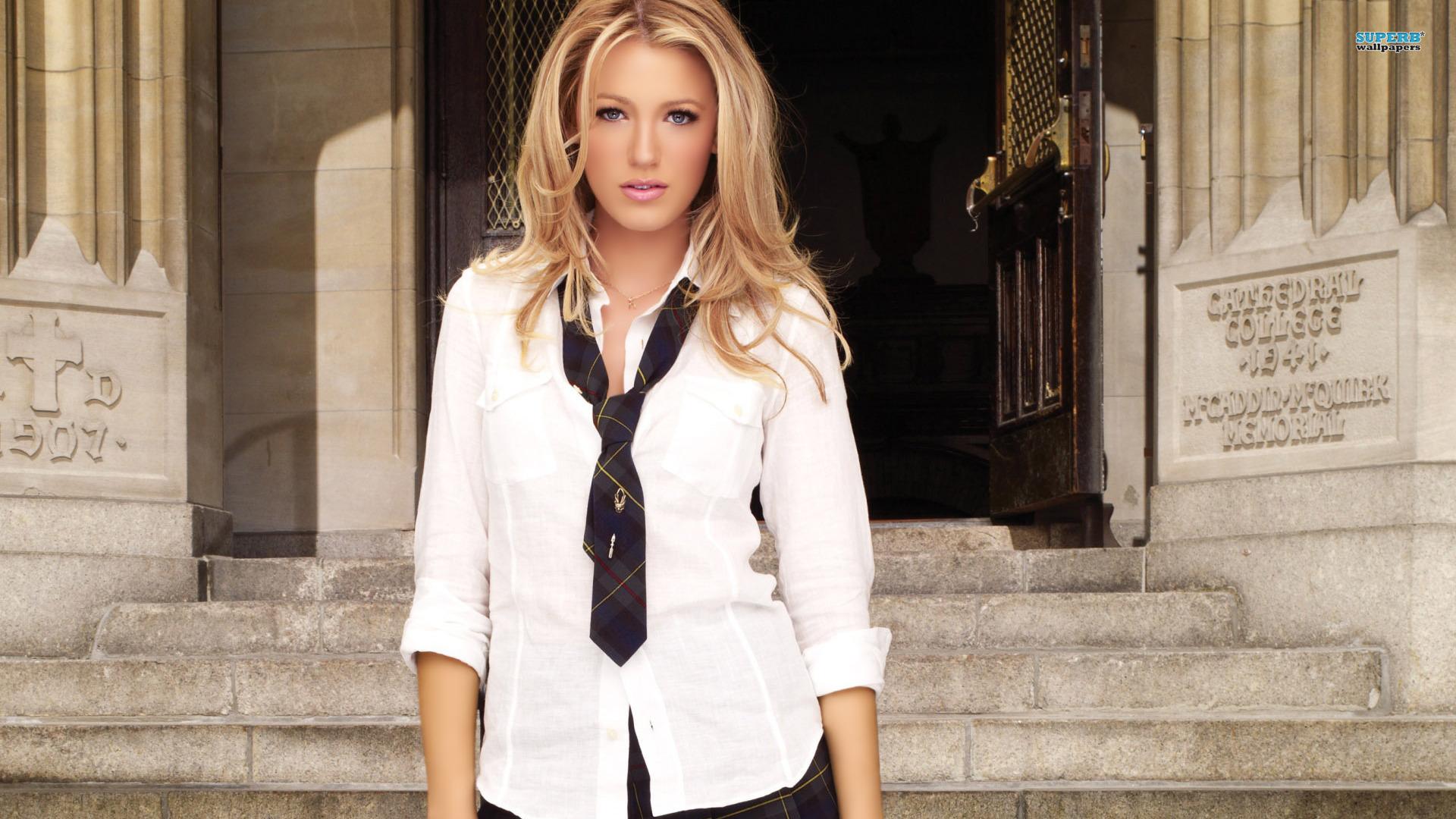 Celebrity - Blake Lively  Woman Wallpaper
