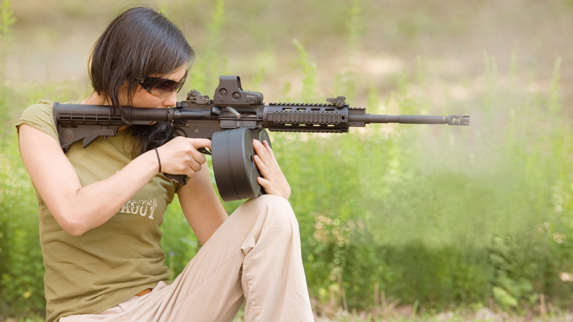 Sexy Naked Girls With Guns Hd Wallpapers - New Porn-9114