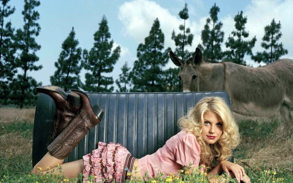 Celebrity Nikki Griffin Actresses United States Donkey HD Wallpaper   Background Image