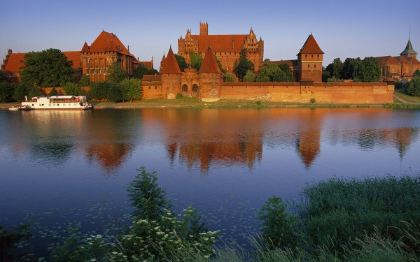 Man Made Malbork Castle Castles Poland Castle HD Wallpaper   Background Image