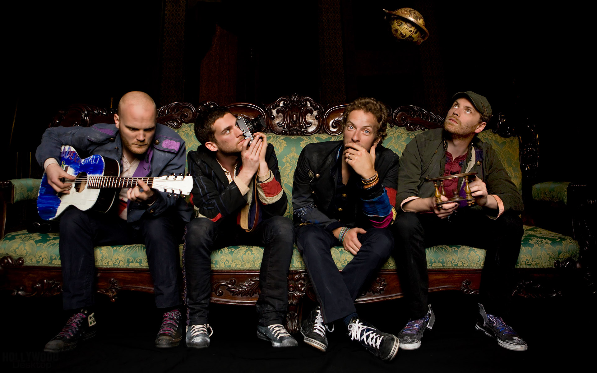 Music - Coldplay  Cool Photography Artistic Music Wallpaper