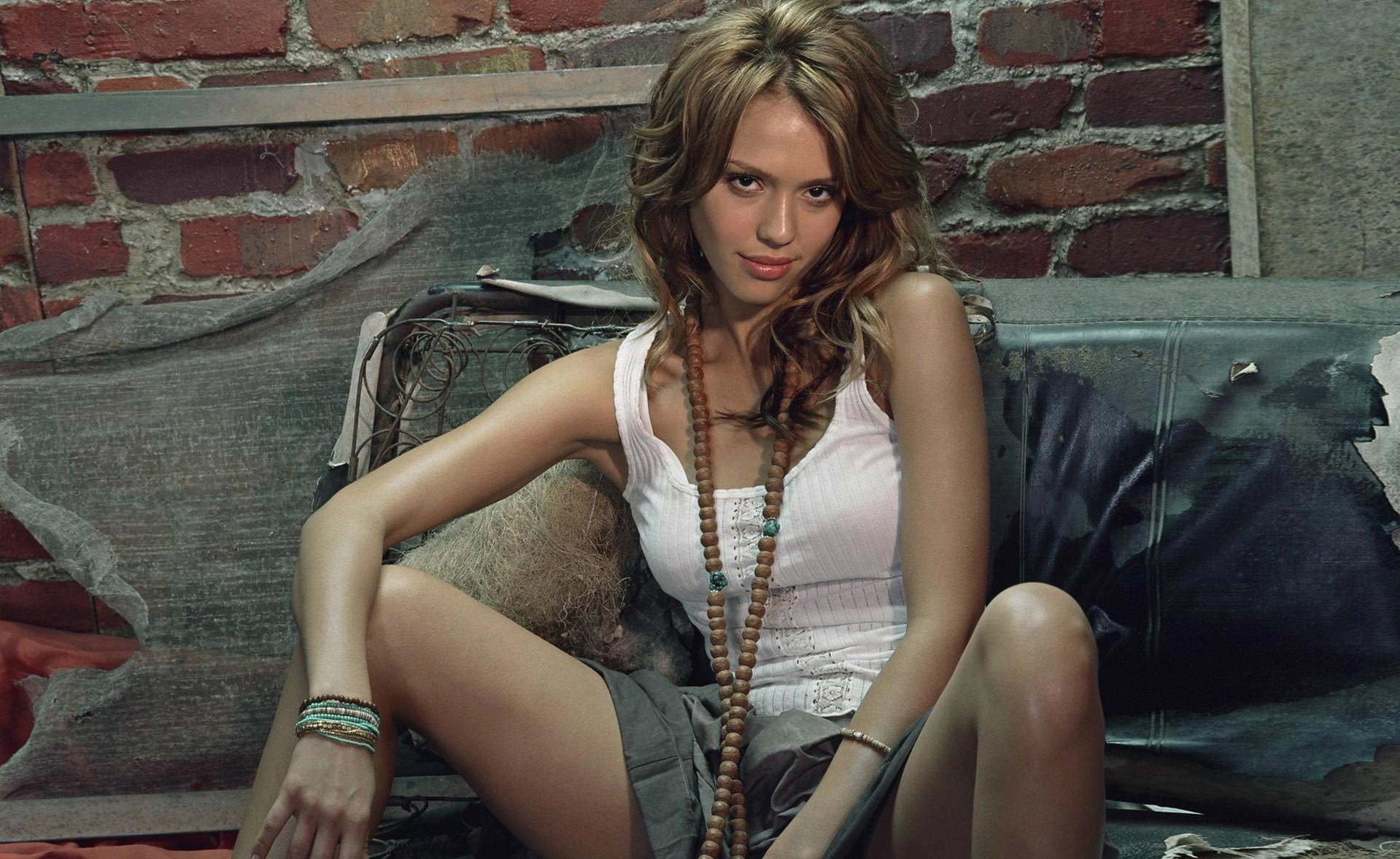 Celebrity - Jessica Alba  Wallpaper