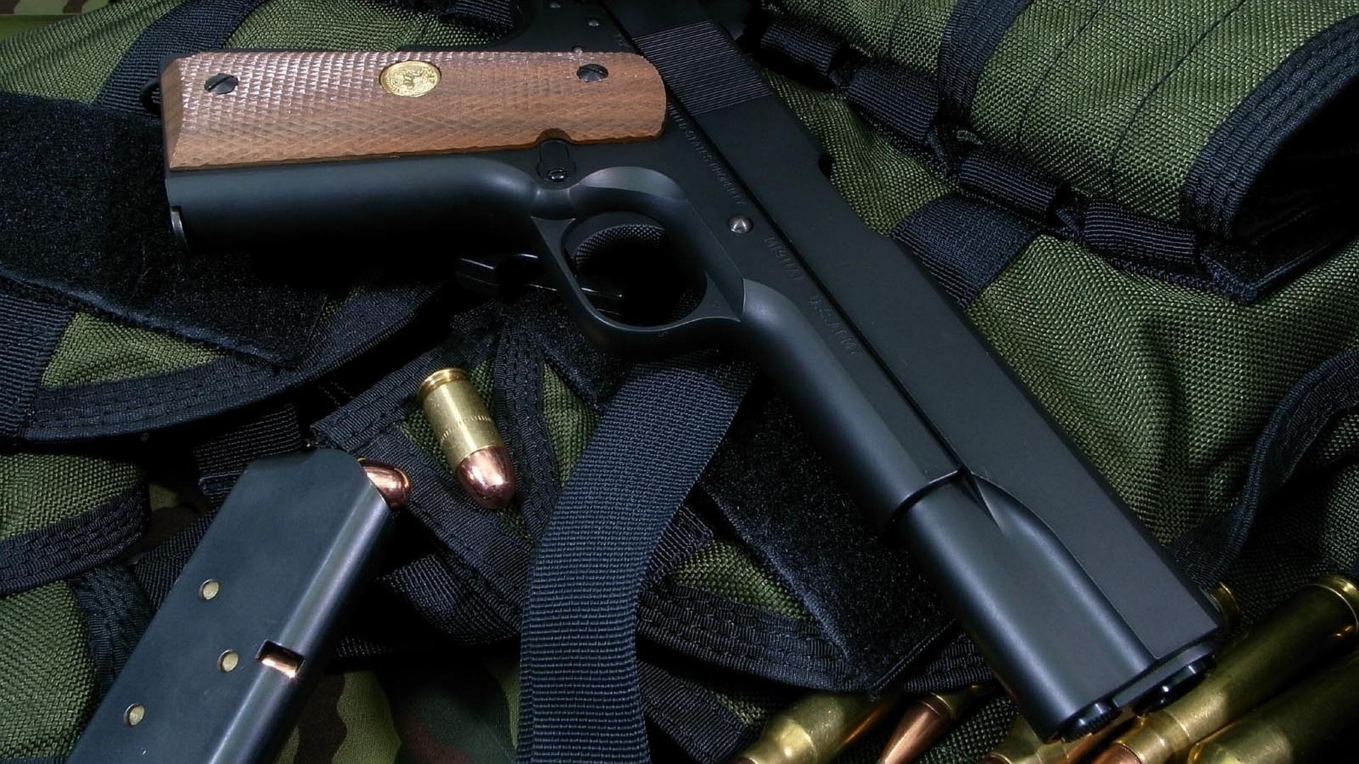 Weapons - Pistol  Wallpaper