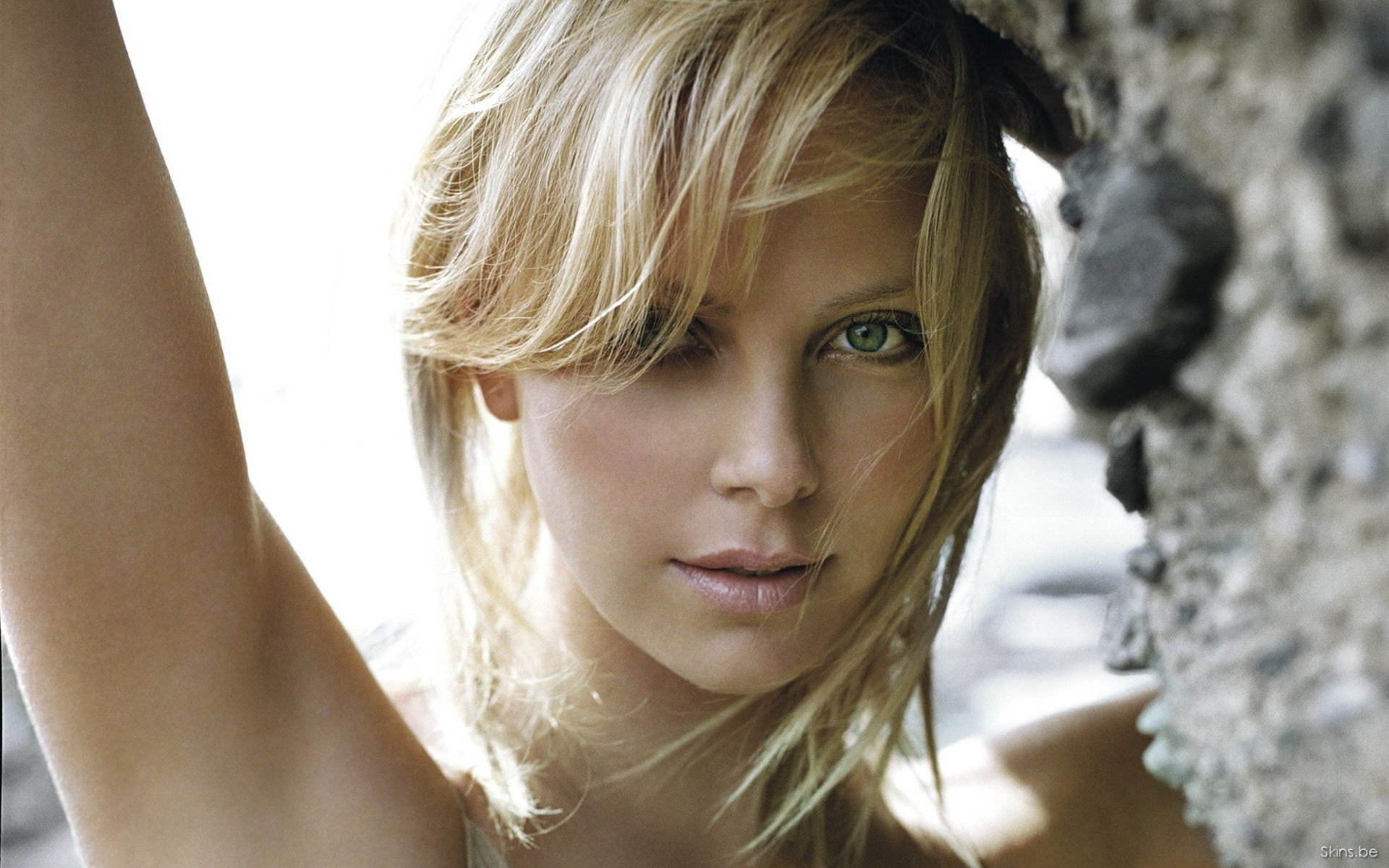 Celebrity - Charlize Theron  Wallpaper