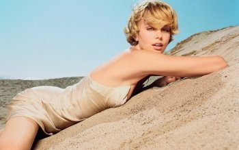 Celebrity - Charlize Theron Wallpapers and Backgrounds ID : 163088