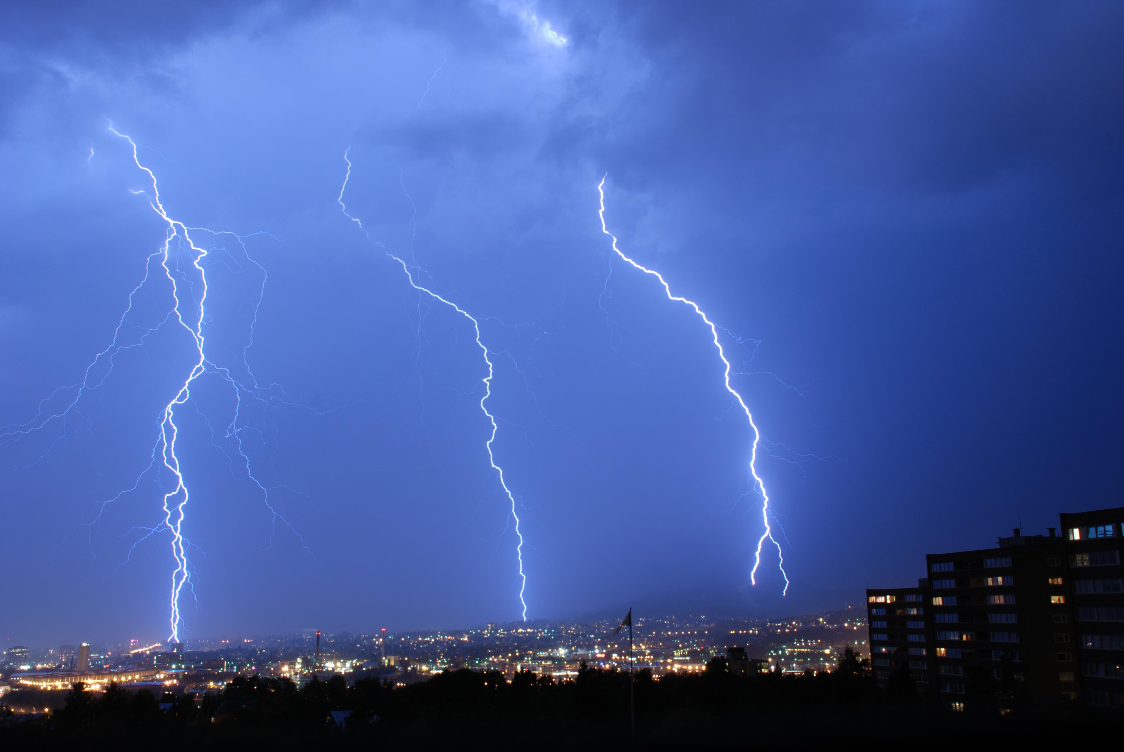 Lightning 4k ultra hd wallpaper background image 3872x2592 id 165994 wallpaper abyss - Lightning wallpaper 4k ...