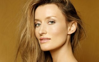 Berühmte Personen - Natascha Mcelhone Wallpapers and Backgrounds ID : 168756