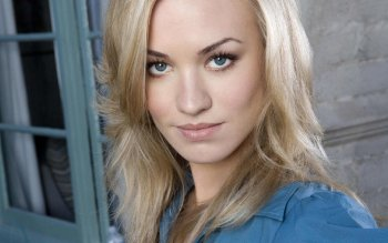 Celebrity - Yvonne Strahovski Wallpapers and Backgrounds ID : 169446