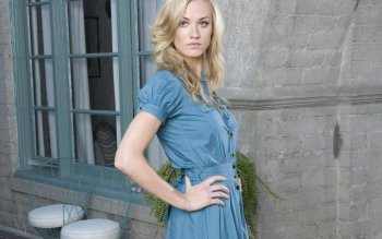 Celebrity - Yvonne Strahovski Wallpapers and Backgrounds ID : 169448