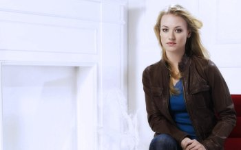 Celebrity - Yvonne Strahovski Wallpapers and Backgrounds ID : 169488