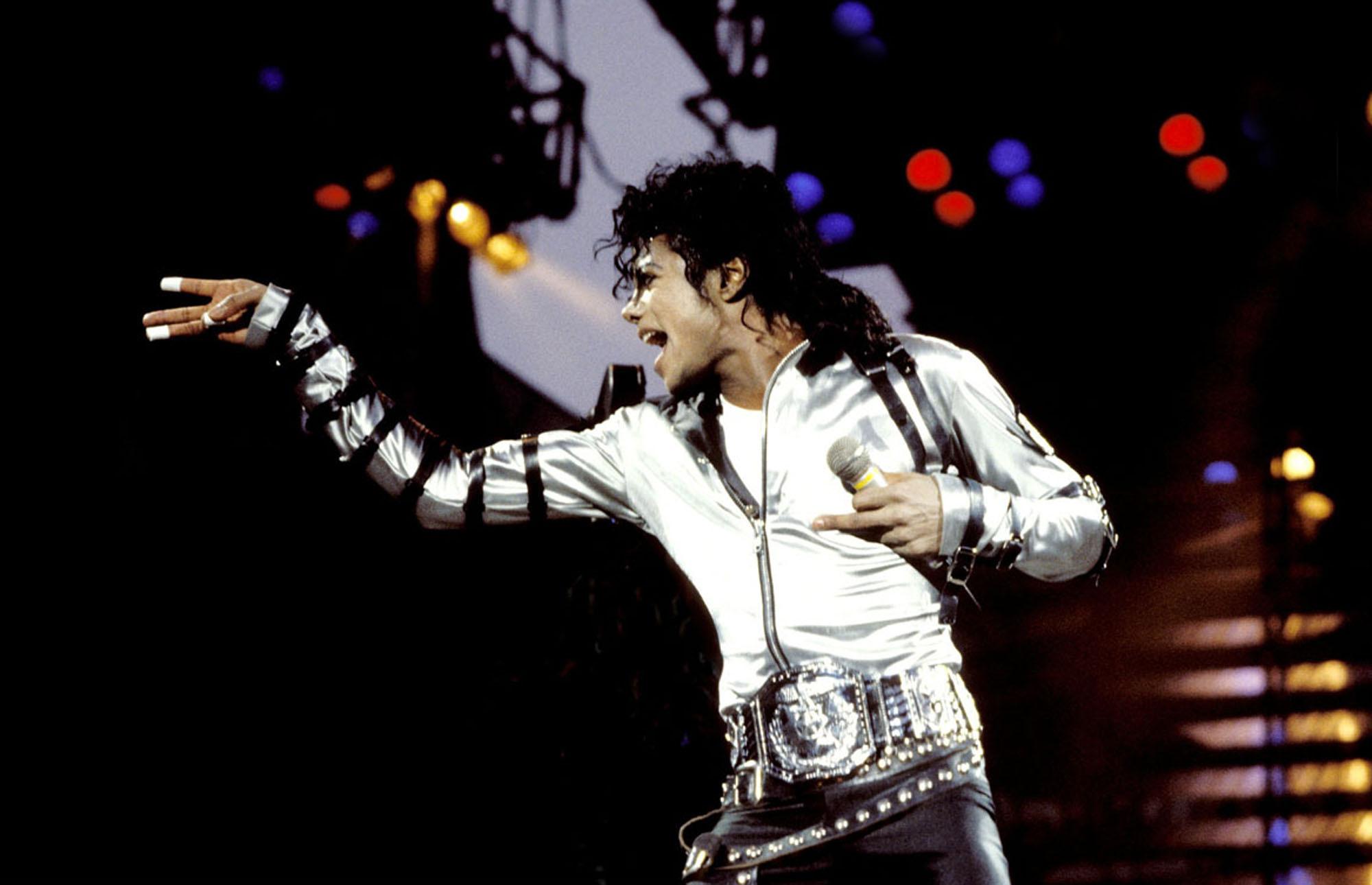 Michael Jackson Hd Wallpaper Background Image 2000x1290 Id