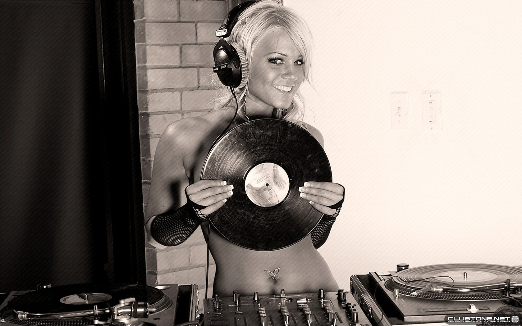 Dj Wallpaper And Background Image 1680x1050 Id 174998