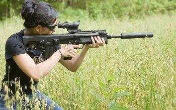 Women - Women & Guns Wallpapers and Backgrounds ID : 175908