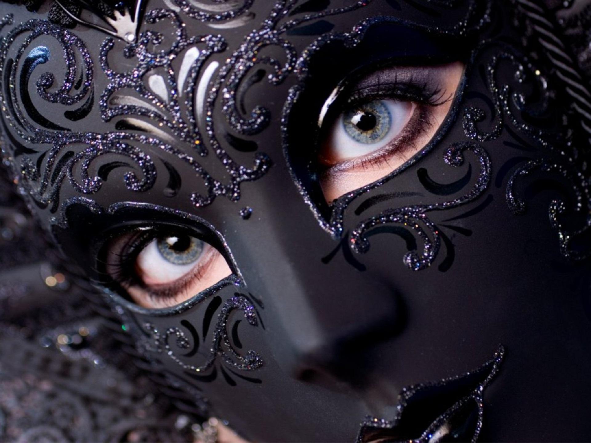 Photography - Mask  Wallpaper
