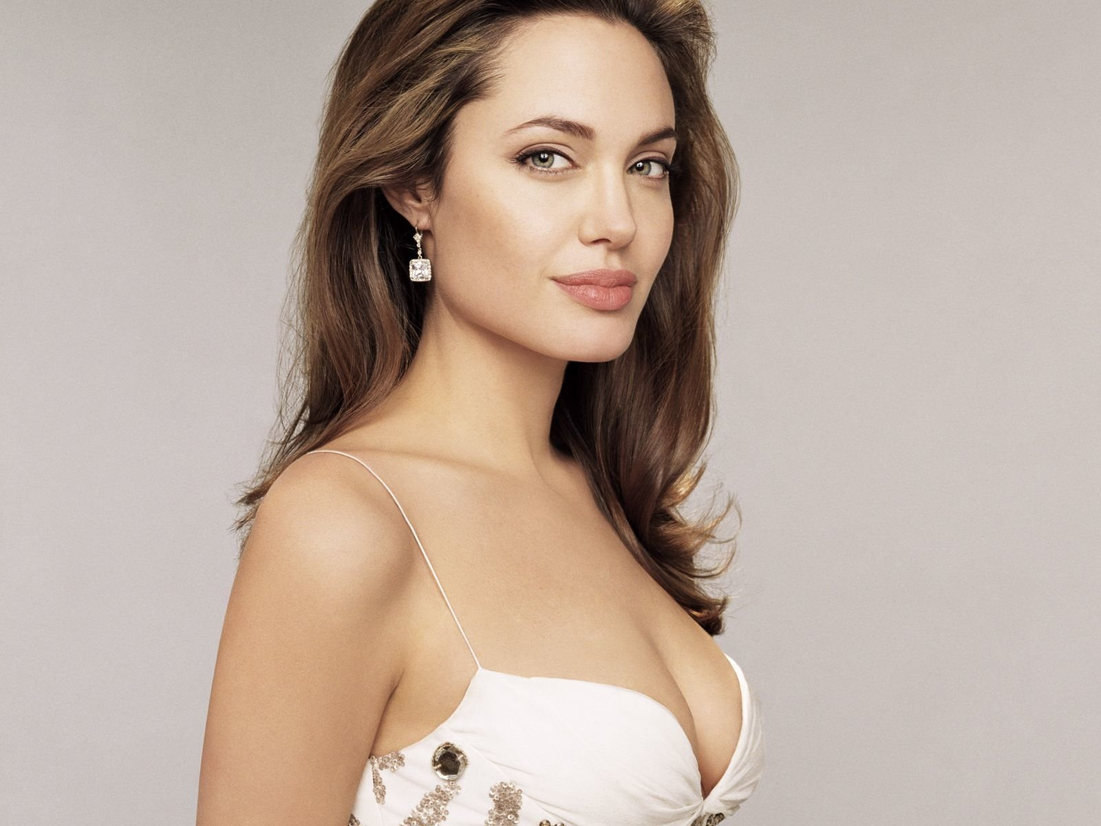 Angelina Jolie Nua angelina jolie wallpaper and background image | 1600x1200