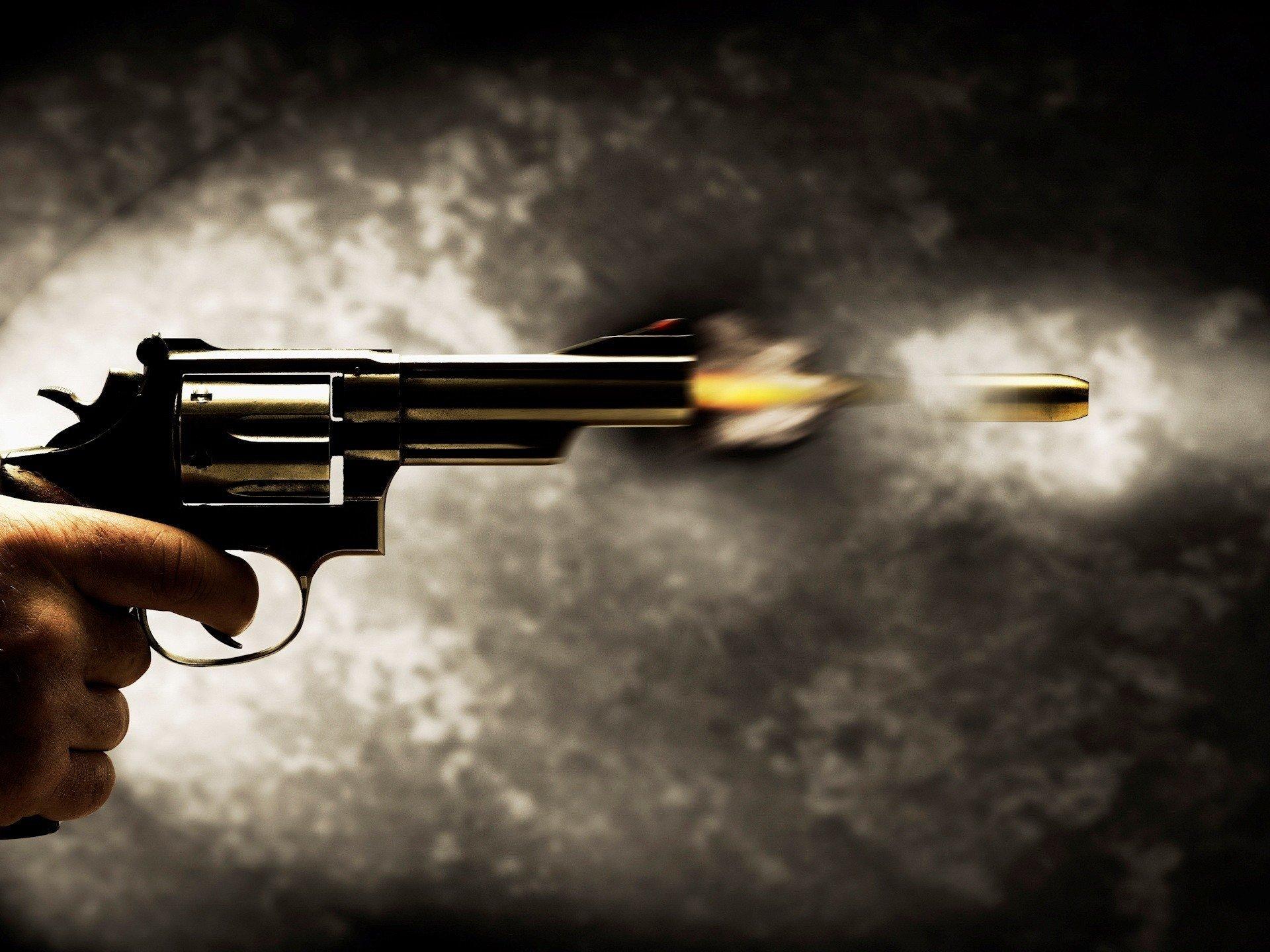 Weapons - Revolver  Wallpaper