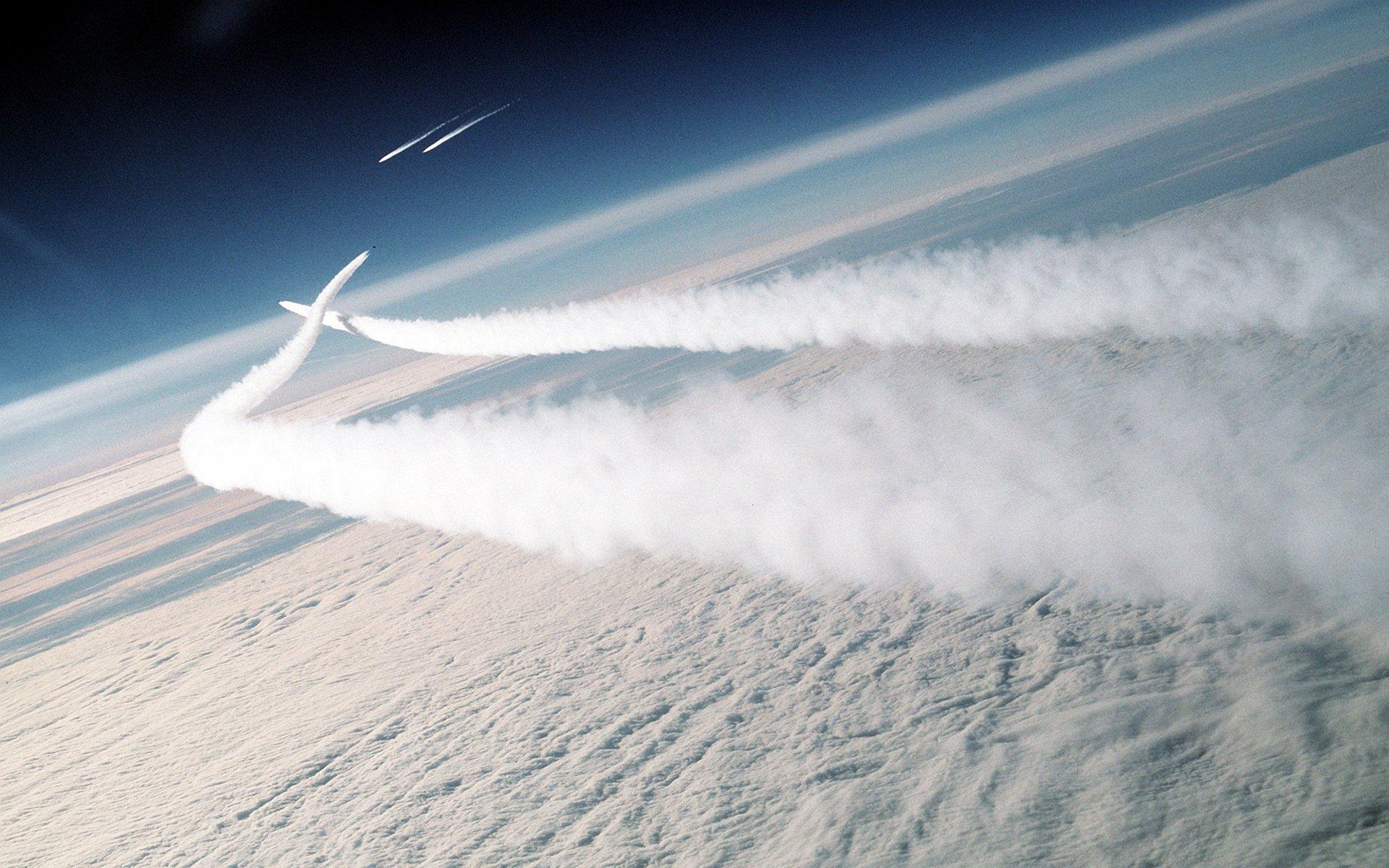 座驾 - 飞机  天空 云 壁纸