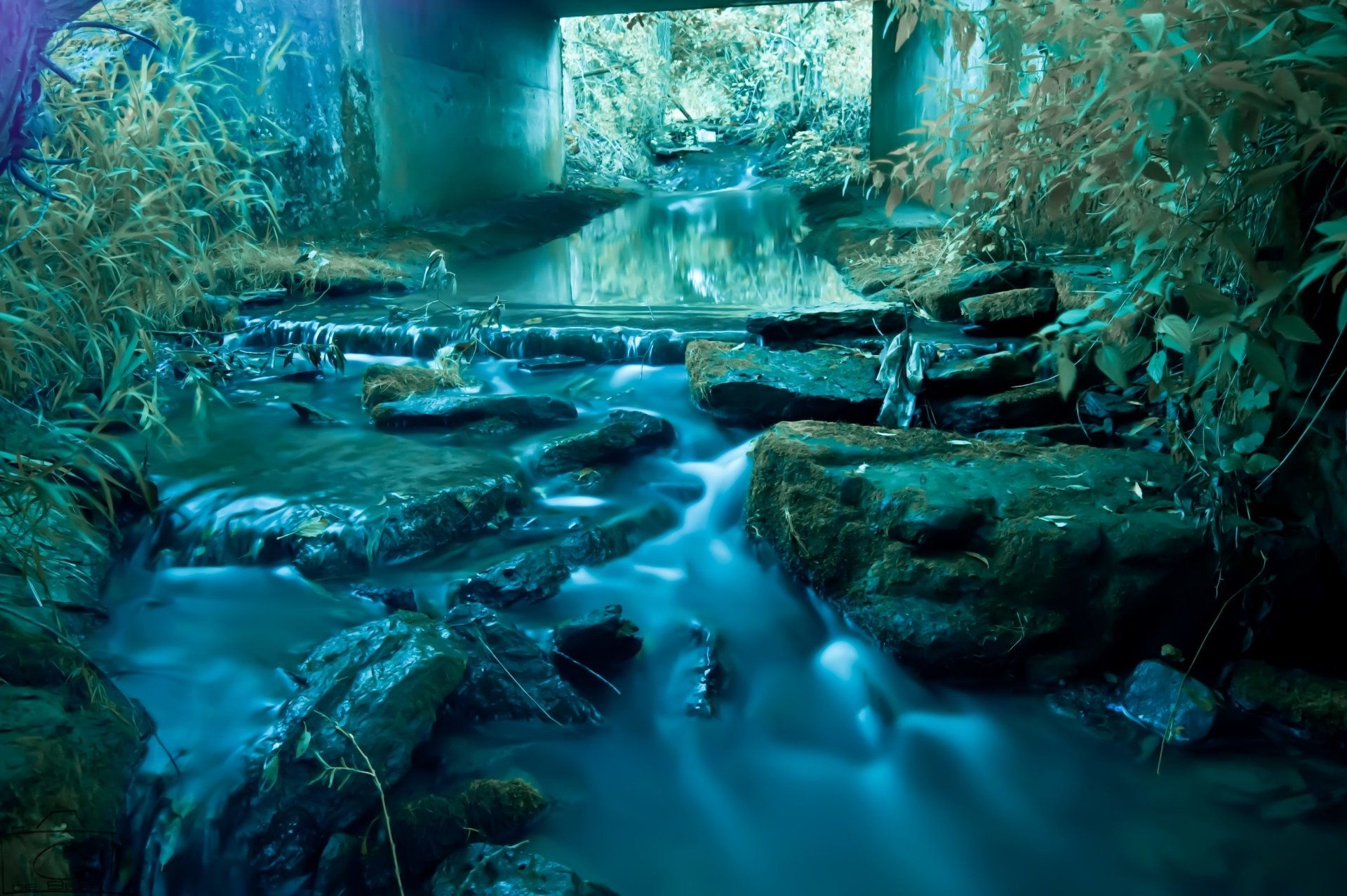 Earth - Stream  Wallpaper