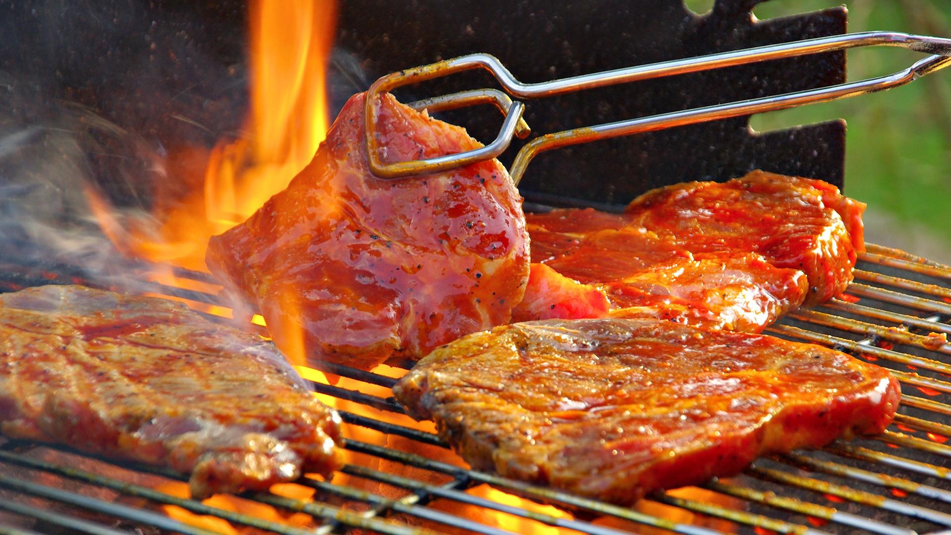 【スポーツ選手の皆さんへ】焼き肉を食べたくなったら意識してほしいこと