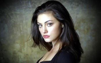 Berühmte Personen - Phoebe Tonkin Wallpapers and Backgrounds ID : 199616