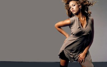 Berühmte Personen - Jessica Alba Wallpapers and Backgrounds ID : 200356