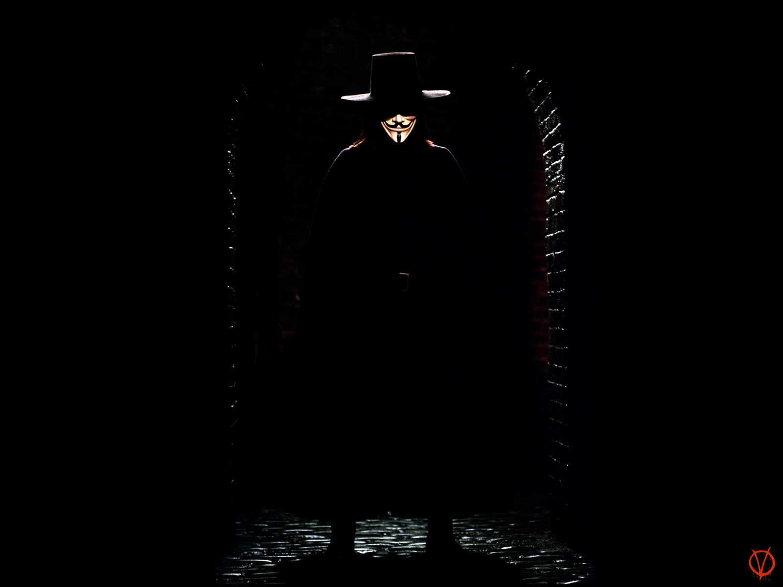 v for vendetta and identity V is the title character of the comic book series v for vendetta, created by alan moore and david lloydhe is a mysterious anarchist, vigilante, and freedom fighter who is easily recognizable by his guy fawkes mask, long hair and dark clothing.