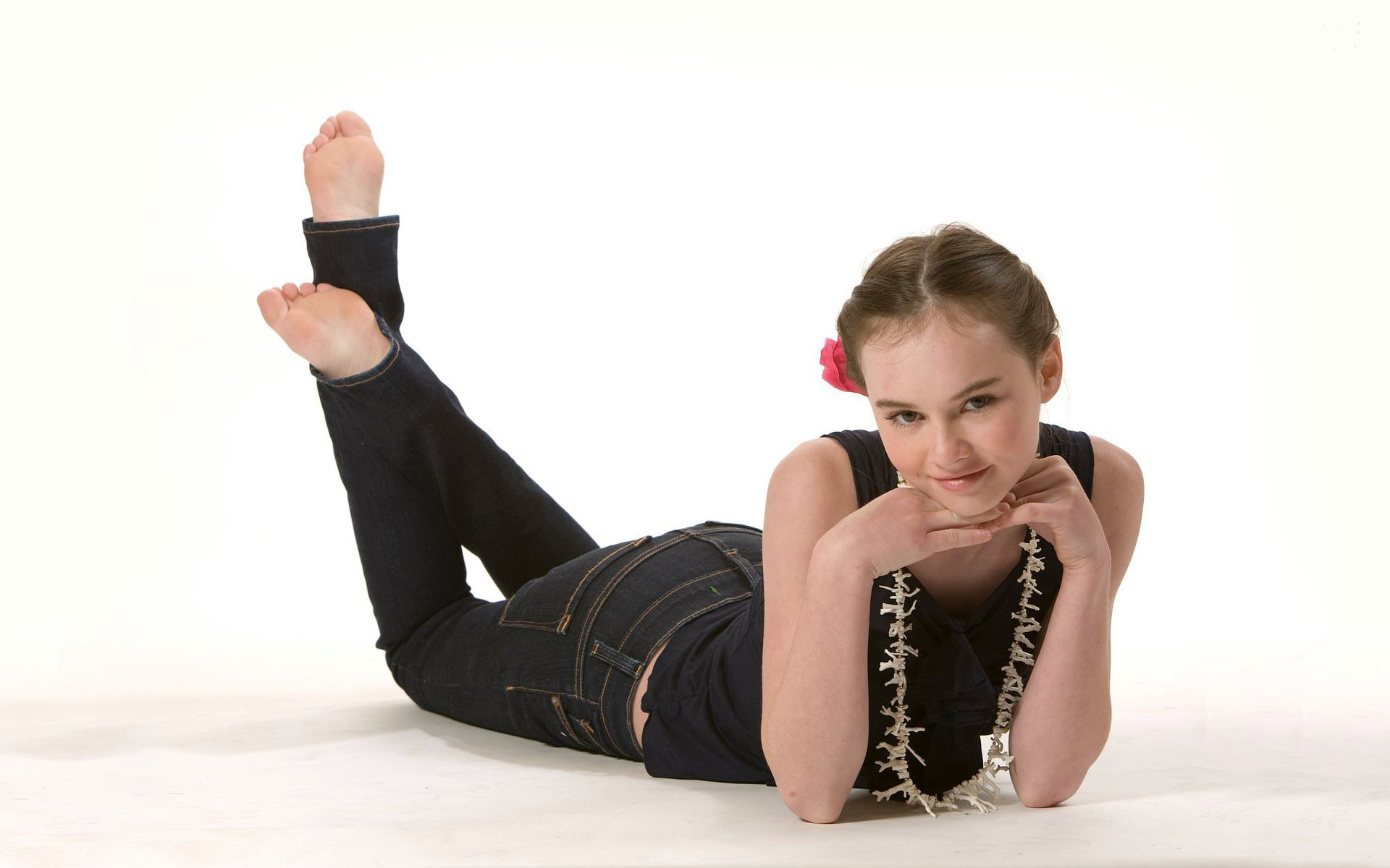 madeline carroll full hd wallpaper and background image