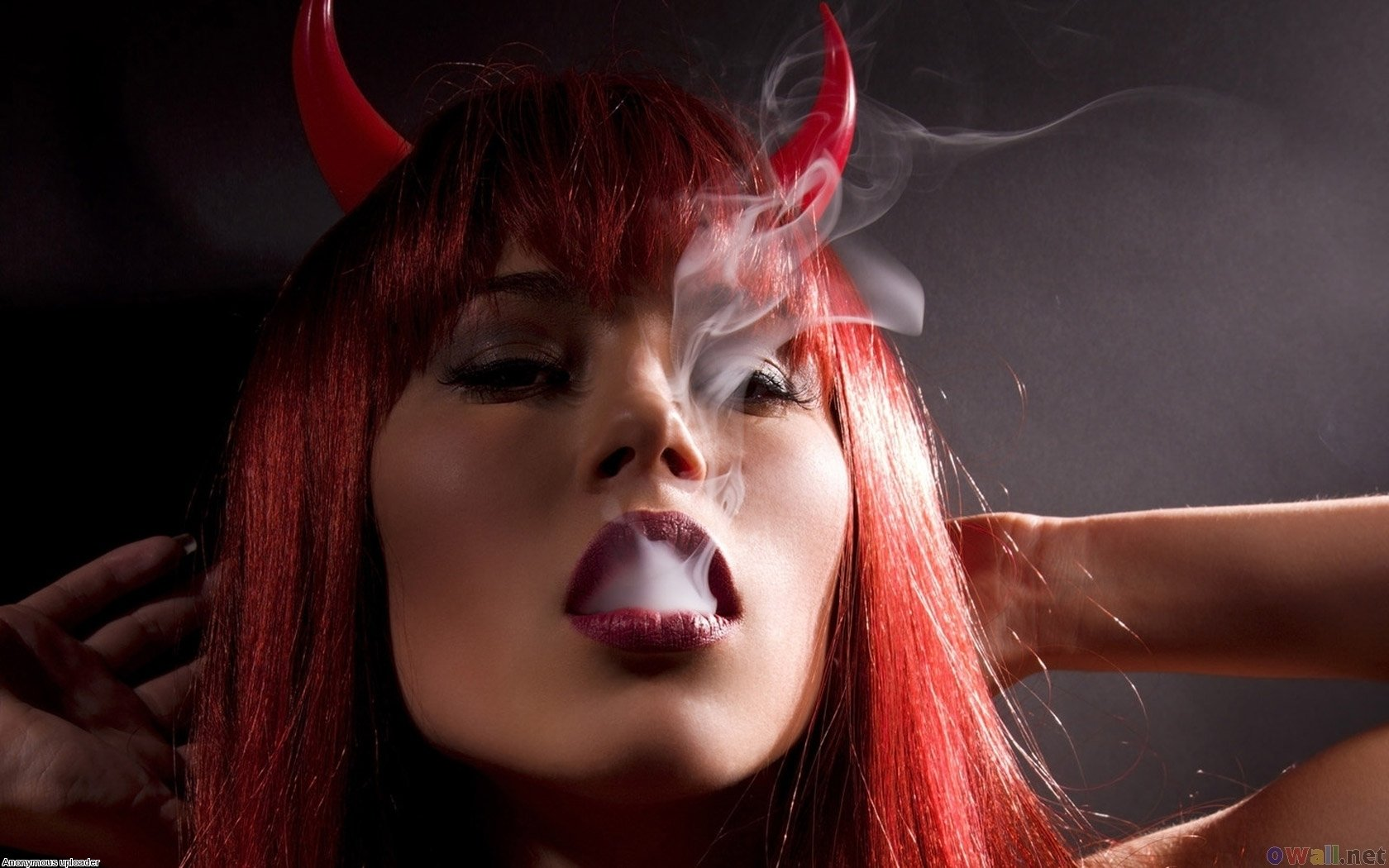 Women - Artistic  Smoke Lips Wallpaper