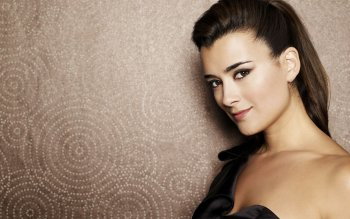 Celebrity - Cote De Pablo Wallpapers and Backgrounds ID : 218964