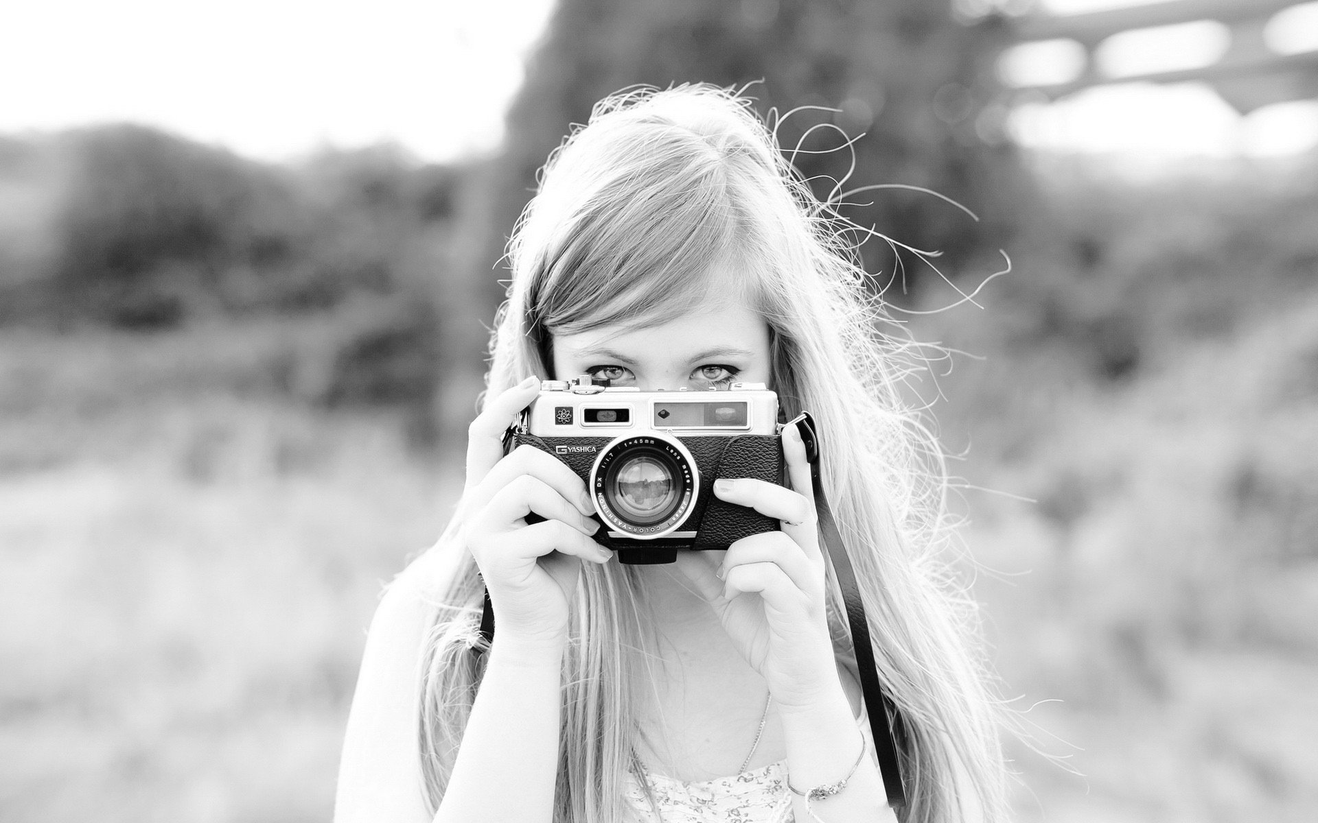 Photography - Women  Camera Model Woman Wallpaper
