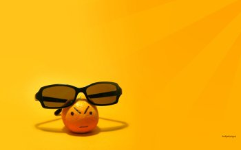 Humor - Smiley Wallpapers and Backgrounds ID : 2326