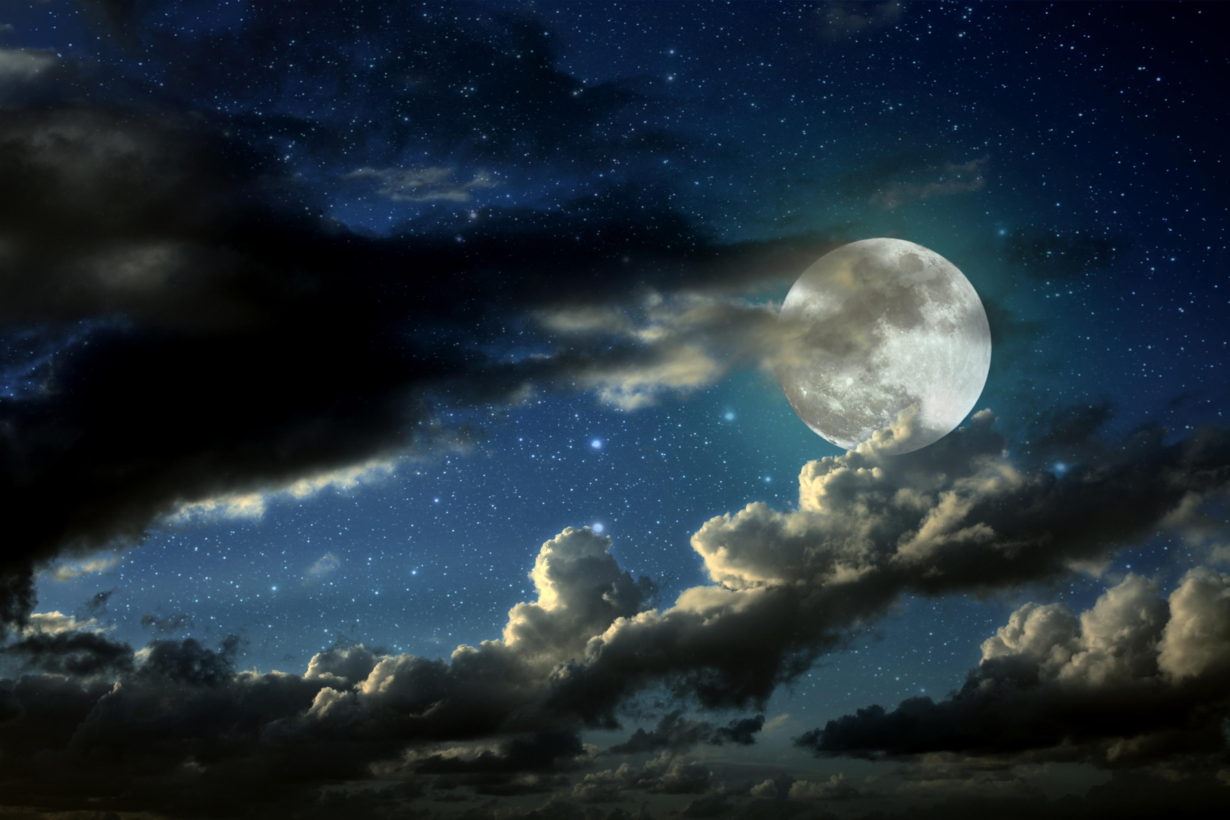 Lune dans ciel