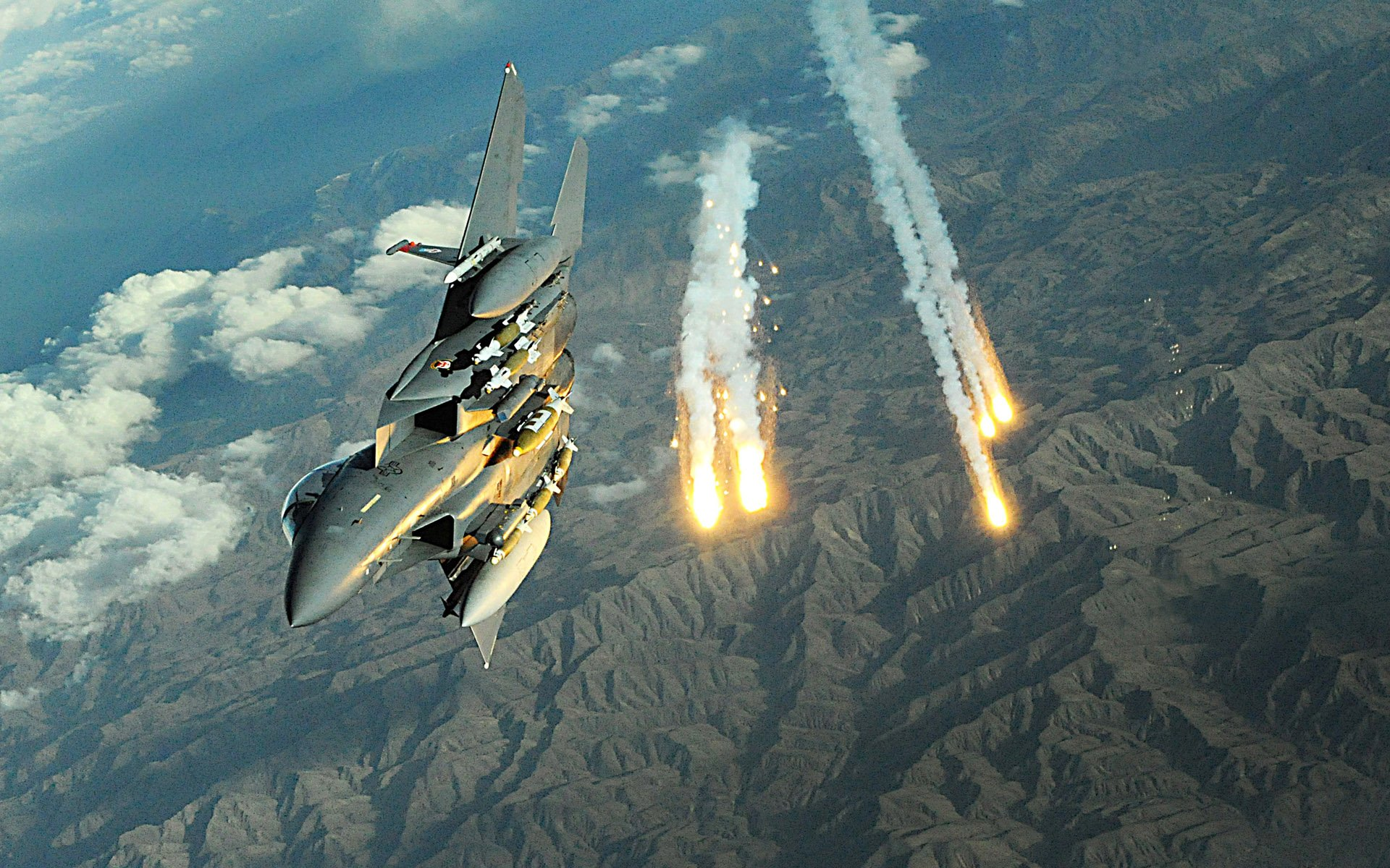 Military - McDonnell Douglas F-15E Strike Eagle  Military Weapon Airplane Jet Army Rocket Wallpaper