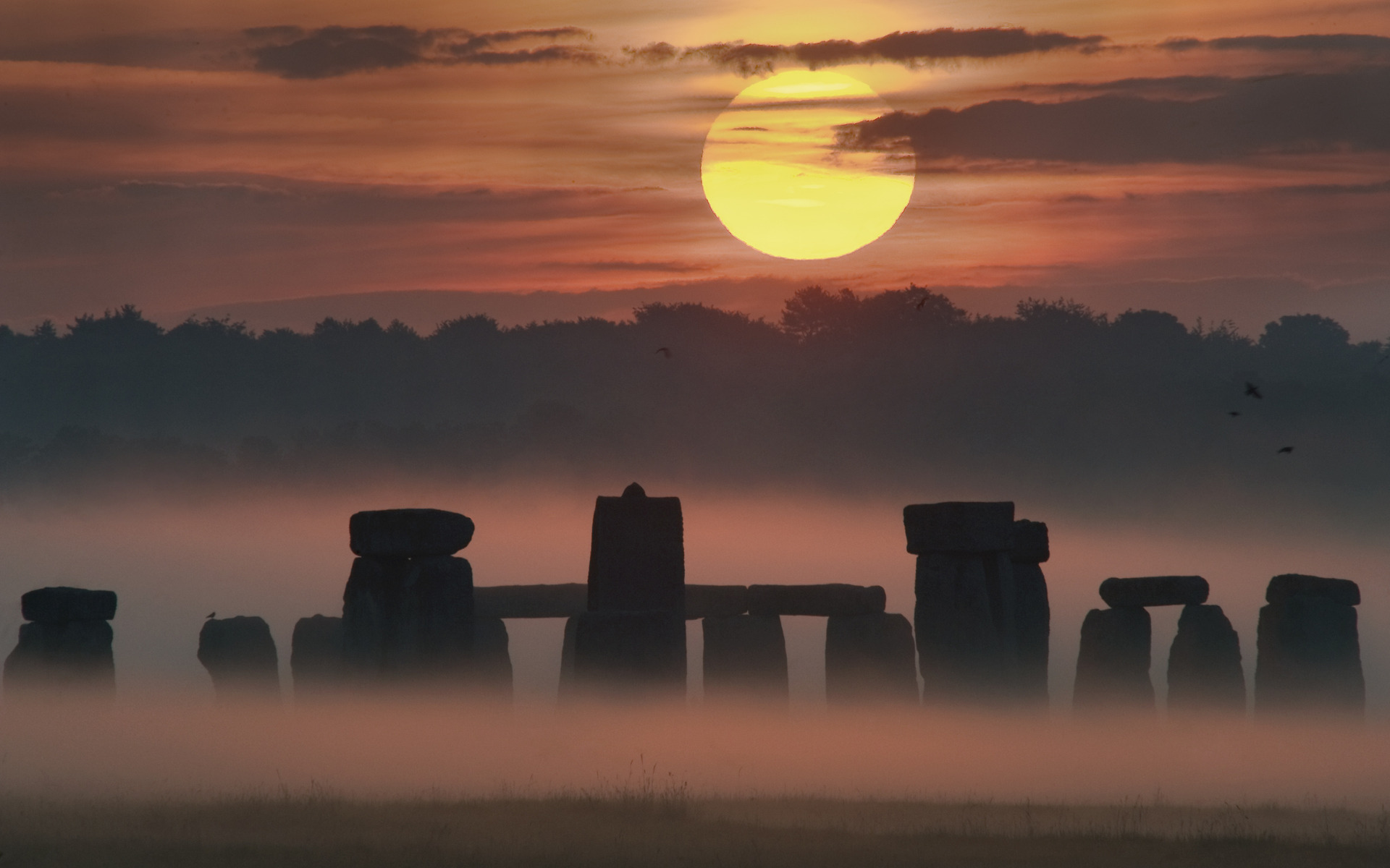 Sunrise solstice at stonehenge full hd fond d 39 cran and for Solstice plus plan one