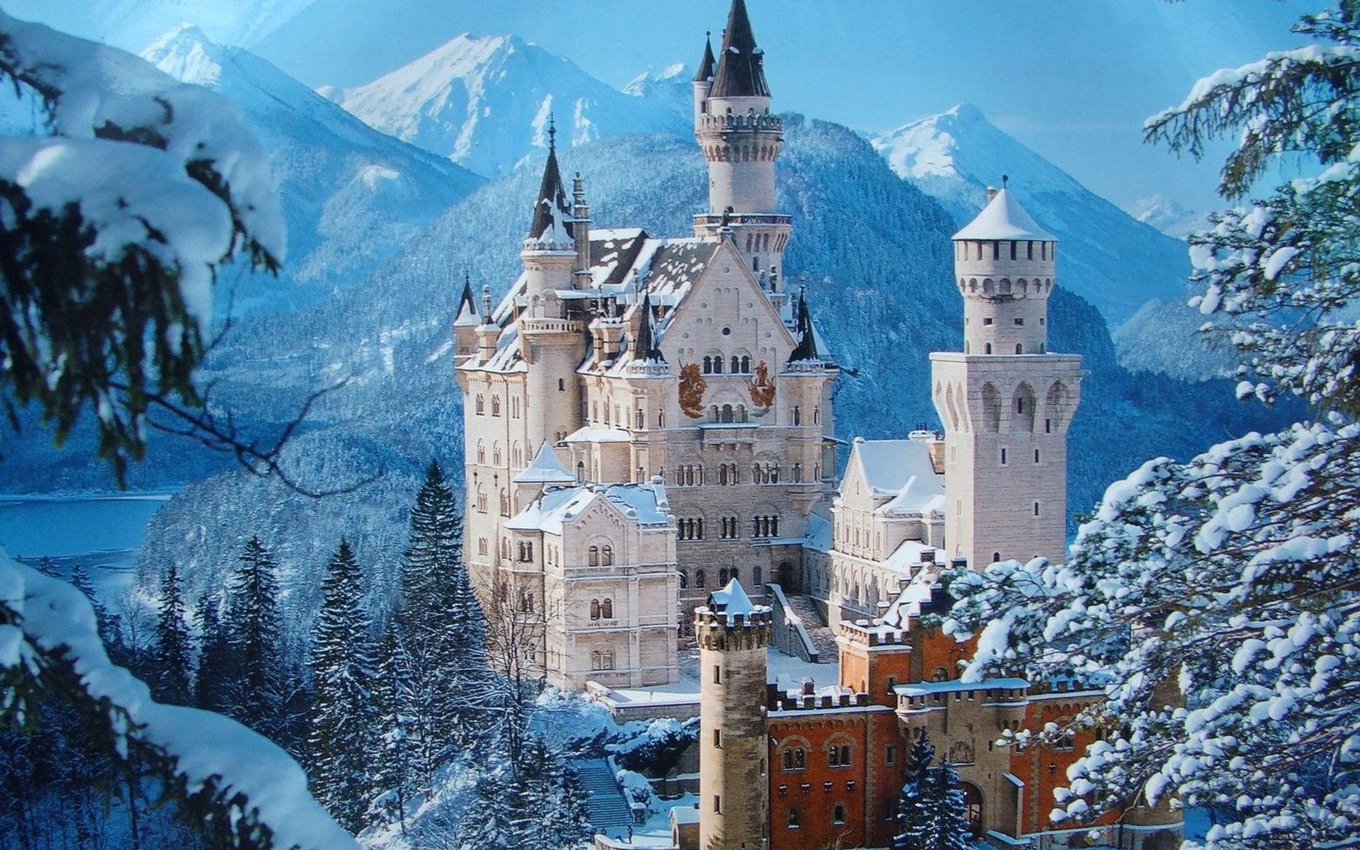Man Made - Neuschwanstein Castle  Castle Building Wallpaper