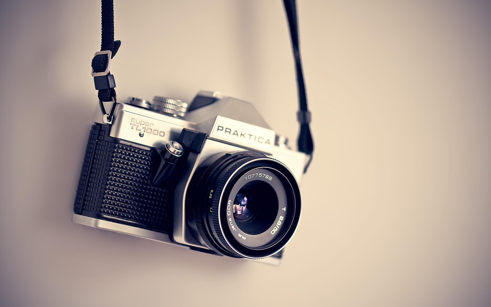 Man Made - Camera Wallpaper Vintage Camera Backgrounds