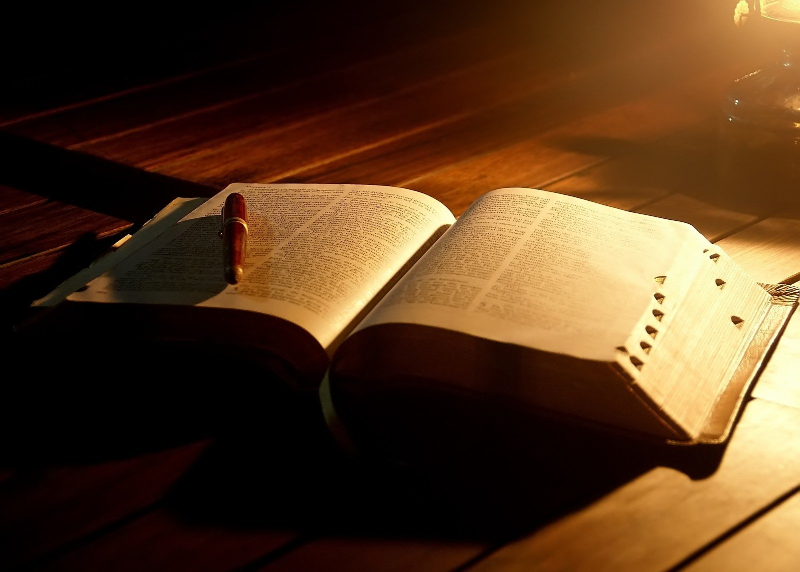 Religijne - Bible  Tapeta