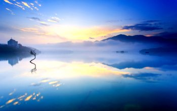 Earth - Reflection Wallpapers and Backgrounds ID : 266208