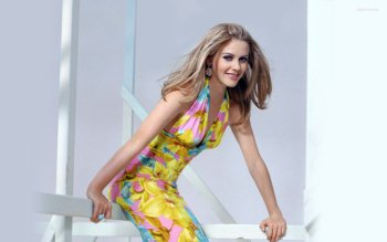 Celebrity - Alicia Silverstone Wallpapers and Backgrounds ID : 271988